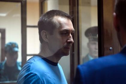 Полковник Захарченко пострадал в СИЗО из-за каши