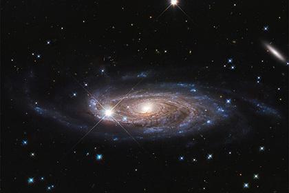 Вблизи центральной сверхмассивной черной дыры Млечного Пути обнаружена аномалия