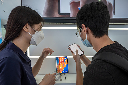 Huawei придумала способ заряжать смартфоны на расстоянии