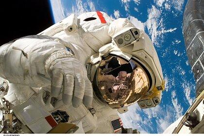 Космонавт допустил выдачу оружия экипажам новой российской орбитальной станции