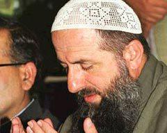 Зелимхан Яндарбиев, 2004 год, Исламабад. Фото Reuters