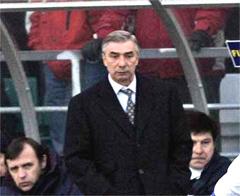 Георгий Ярцев на скамейке запасных во время матча с Эстонией