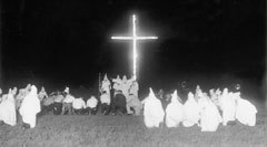 Сожжение креста в Огайо в 1923 году, фото с сайта www.sfsu.edu