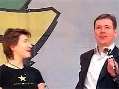 Диана Арбенина и Сергей Абрамов на сцене. Кадр НТВ
