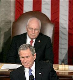 Джордж Буш и Дик Чейни - грозный тандем. Фото AFP.