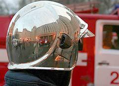 """Пожарный у ГЗ, фото Борислава Козловского, """"Лента.Ру"""""""