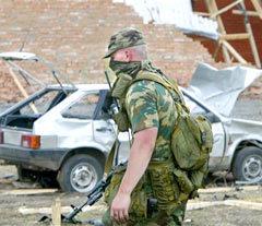 На месте взрыва в селе Экажево. Фото AFP