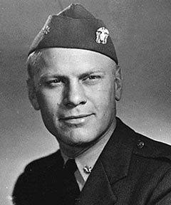 Джеральд Форд во время службы в ВМС, 1945 год. Фото с сайта wikipedia.org