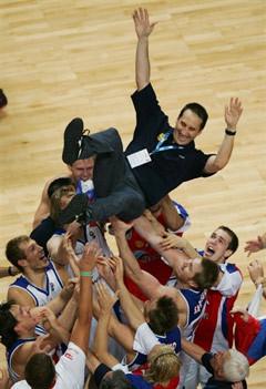 Сборная России и Дэвид Блатт. Фото AFP