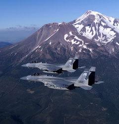 Пара F-15A. Фото c сайта fortunecity.com