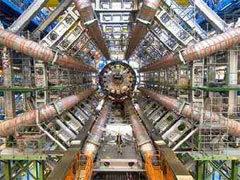 Внутри Большого адронного коллайдера. Фото CERN