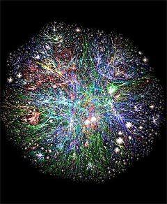 Графическое изображение всемирной Сети. Узлы соответствуют подключенным к интернету компьютерам, а связки между ними - маршрутам, по которым идет трафик. Фото с сайта opte.com