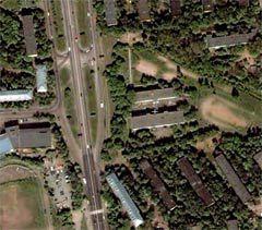 Район происшествия. В центре спутникового снимка с сайта Google Maps - школа номер 714.