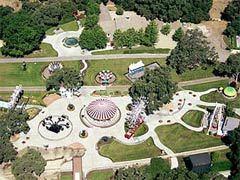 Вид на поместье Neverland. Фото (c)AFP