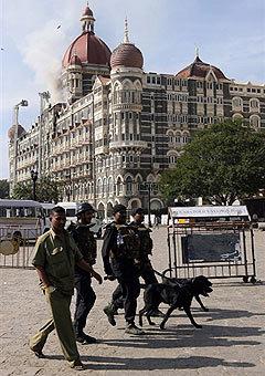 Нападение на Мумбаи: фотогалерея. Кликните по картинке, чтобы посмотреть