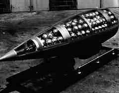 Кассетная бомба производства США, 1960-е годы. Фото с сайта loc.gov