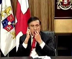 Михаил Саакашвили, жующий галстук в эфире ВВС