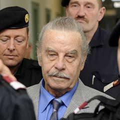 Йозеф Фритцль в здании суда. Фото (c)AFP
