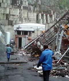 Разрушения на СШГЭС. Фото sayanogorsk.info