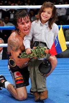 С дочерью Росселин. Фото с сайта boxeomundial.net