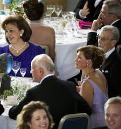 Гости званого обеда в честь свадьбы принцессы. Фото (c)AFP