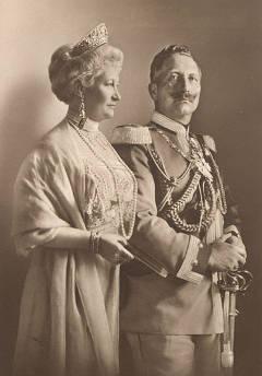 Кайзер Вильгельм с супругой. Изображение с сайта wikipedia.org