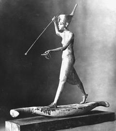 Пропавшая статуя Тутанхамона. Фото с сайта drhawass.com