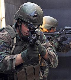 Бойцы элитного спецподразделения ВМС США SEAL. Фото с сайта navy.mil