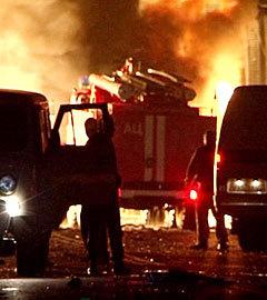 На месте взрыва. Фото РИА Новости, Башир Алиев