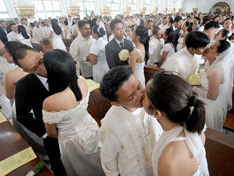 Массовая свадьба на Филиппинах. Фото (c)AFP