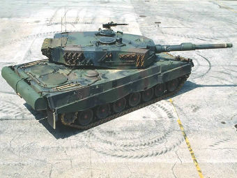 Leopard 2A4. Фото с сайта defenseindustrydaily.com