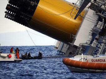 """Коста Конкордиа"". Фото (c)AFP"