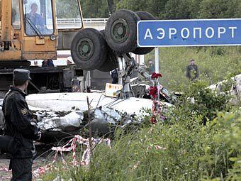 На месте крушения самолета Ту-134 под Петрозаводском. Фото РИА Новости, Владимир Ларионов