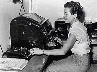 "Оператор телетайпа ""Радио Свобода"", Германия, 50-е годы. Фото RFE/RL"