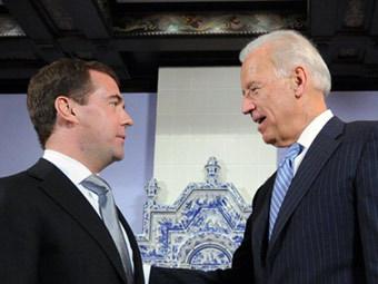 Дмитрий Медведев и Джо Байден. Фото (c)AFP