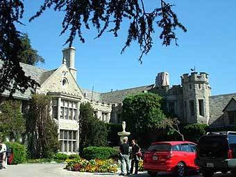 Особняк Playboy Mansion. Фото с сайта buzznet.com