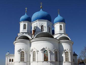 Собор Боголюбского монастыря. Фото С. Ю. Духанина