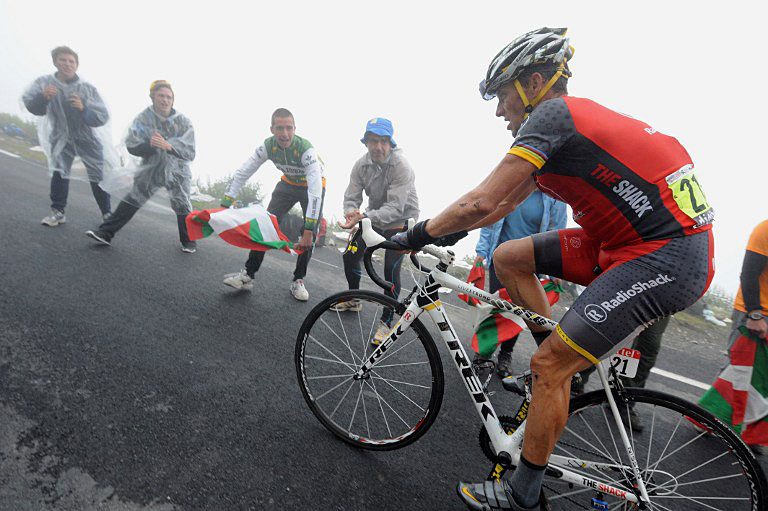 Лэнс Армстронг на дистанции «Тур де Франс» 2010 года