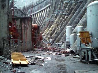 Последствия аварии на СШГЭС. Фото sayanogorsk.info