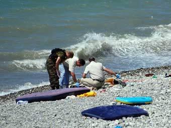 На месте взрыва на пляже в Сочи. Фото Виктора Кириллова/РИА Новости