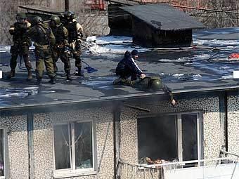 Штурм квартиры во Владивостоке. Фото VL.ru