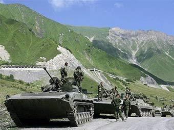 Колонна российской бронетехники в Южной Осетии. Фото AFP