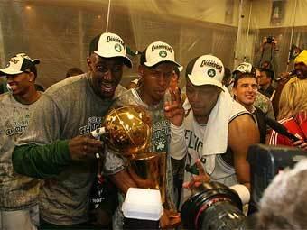 Чемпионы. Фото с официального сайта НБА