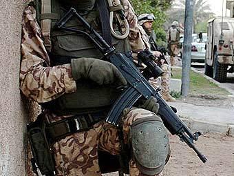 Эстонский солдат в Афганистане с израильским автоматом Galil AR. Фото с сайта army.mil