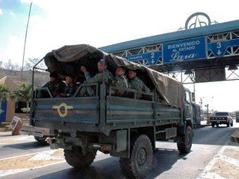 Венесуэльские военные отправляются на границу с Колумбией. Фото AFP