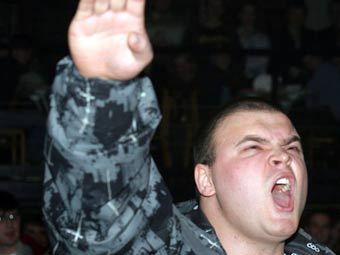 "Максим Марцинкевич (Тесак) в клубе ""Билингва"". Фото Александра Котомина, Lenta.Ru"