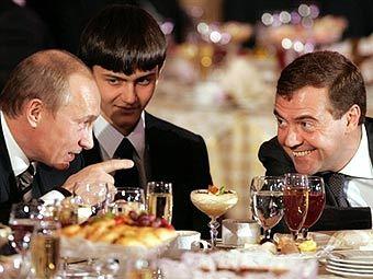 Владимир Путин и Дмитрий Медведев. Фото AFP