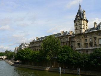 Здание уголовной полиции Парижа на набережной Орфевр. Фото с сайта parisdigest.com