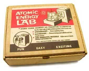 Набор юного физика-ядерщика по-американски. Фото с сайта www.radaronline.com