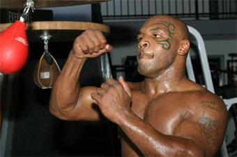 Майк Тайсон на тренировке. Фото Тома Казино с сайта www.fightnews.com